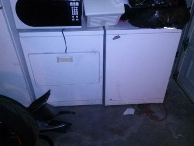 Washer and Gas Dryer for sale. In good condition must go, moving out of state can't keep!!!
