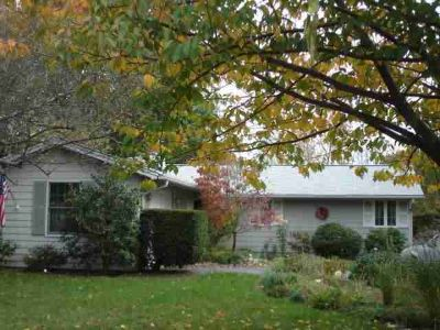 24 Whippoorwill RD Warwick, Great area for Three BR ranch