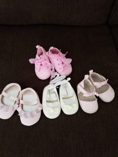 4 pairs of Baby girl shoes