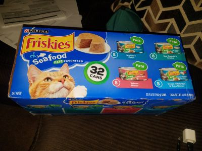 Brand new 32 Cans friskies cat food PATE'