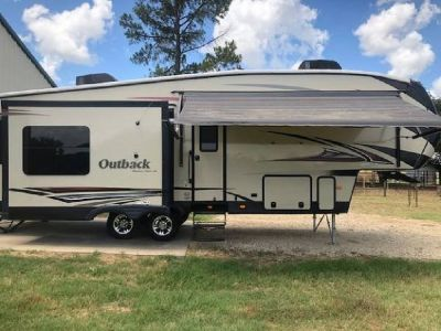 By Owner! 2014 32 ft. Keystone Outback SuperLite 286FRL w/3 slides