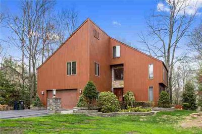 34 Center Road Mahopac Four BR, Lovely well maintained oversized