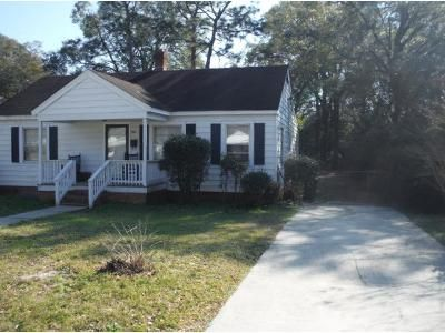 3 Bed 1 Bath Preforeclosure Property in Wilmington, NC 28401 - Woodlawn Ave