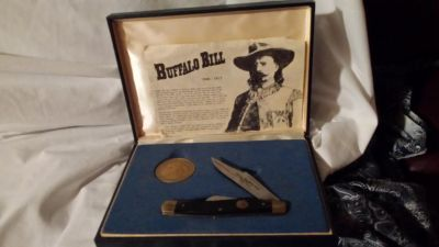 Buffalo Bill commemorative knife and coin set limited edition