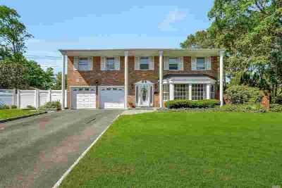 88 Darcy Cir Islip Four BR, Magnificent Brookfield Colonial in