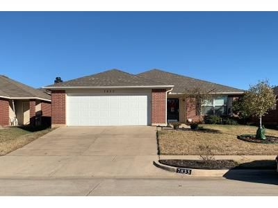 3 Bed 2.0 Bath Preforeclosure Property in Fort Worth, TX 76112 - Whitney Ln
