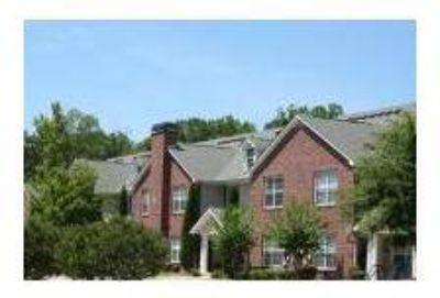 2 Beds - Columbia Wood Townhomes