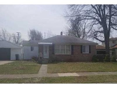 3 Bed 1 Bath Foreclosure Property in Roseville, MI 48066 - Beechwood St