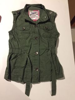 Justice army green vest size 10 like new