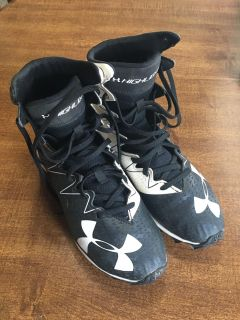 Under Armor Cleats Size 4 youth