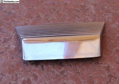License light chrome trim for trunk lid