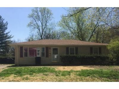 3 Bed 2 Bath Foreclosure Property in Belleville, IL 62226 - N 37th St