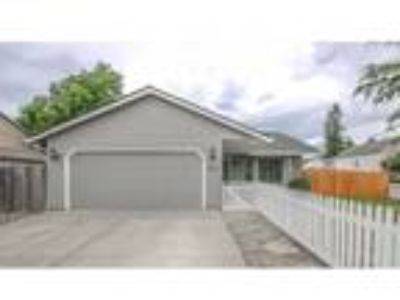 Three BR, Two BA, 1,150 sqft single family house in Vancouver