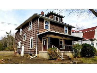 3 Bed 1 Bath Foreclosure Property in Salamanca, NY 14779 - River St