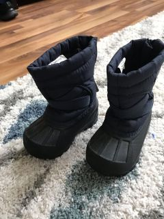 Size 5 toddler snow boots