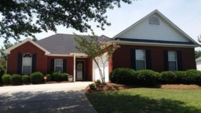 Great Location convenient to RAFB, I-75, shopping, restaurants & entertainment!