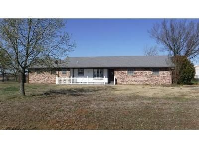 3 Bed 2 Bath Foreclosure Property in Sapulpa, OK 74066 - S 128th West Ave