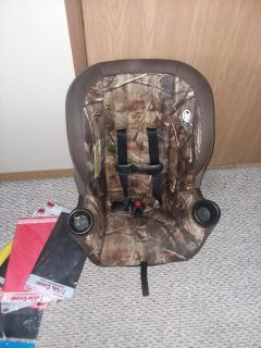 Graco rear/forward facing carseat up to 40 lbs.