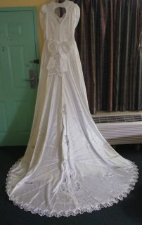 Custom made beautiful wedding dress