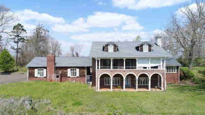 8710 Chapman Hwy Knoxville Five BR, Listed Below Appraised