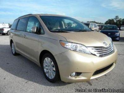 2014 Toyota Sienna XLE W/ 8 Passenger seats $16,600