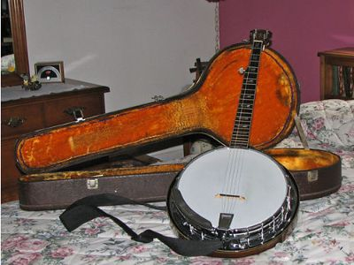 BANJO ALVAREZ, INCLUDES CASE, INSTRUCTION BOOK & ...