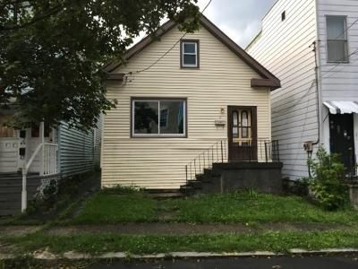 2 Bed 1 Bath Foreclosure Property in Cohoes, NY 12047 - Oak St