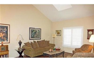 4 bedrooms House - Large & Bright. Washer/Dryer Hookups!