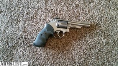 For Sale: Smith and Wesson m 66 357 magnum revolver