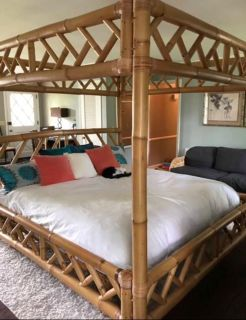Absolutely Gorgeous Bamboo California King Vintage Canopy Bed