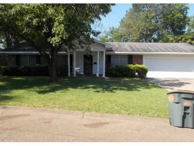 4 Bed 2.0 Bath Foreclosure Property in Jackson, MS 39211 - Winnrose St