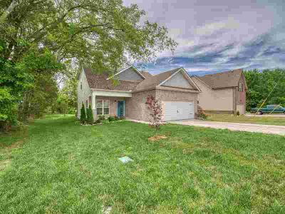 1414 Wrightford Dr Lebanon, This Leftwich plan offers 3