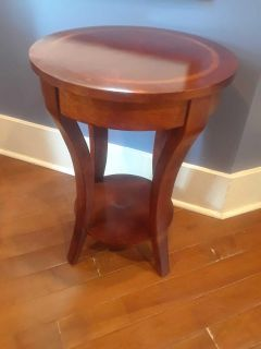 Solid wood entry table