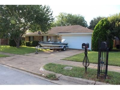 3 Bed 2 Bath Preforeclosure Property in Fort Worth, TX 76179 - Greenway Dr