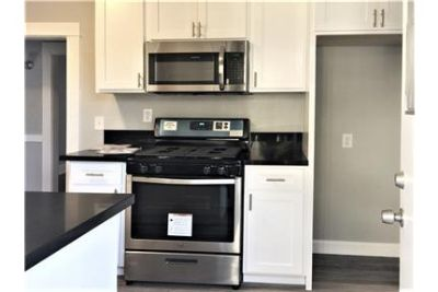 EXTRA LARGE 3 BED/1 BATH NEWLY REMODELED KITCHEN WITH STAINLESS STEEL APPLIANCES. PET FRIENDLY