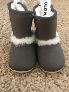 New old navy boots