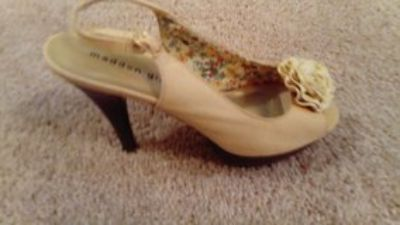 MADDEN GIRL CAMEL PLATFORM SLINGBACK HIGH HEEL SIZE 9 EXCELLENT CONDITION WORN ONLY A FEW TIMES
