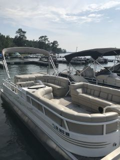 2012 24 Encore/Bentley pontoon boat