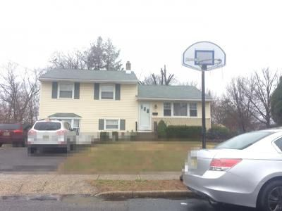 3 Bed 1 Bath Preforeclosure Property in Riverside, NJ 08075 - 8th St