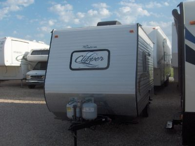 $10,500, 2014 Coachmen Clipper 15' Travel Trailer