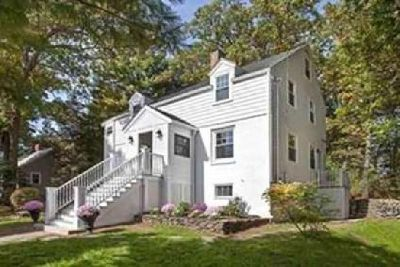 7 Valley Rd Winchester Four BR, This tasteful and elegant home