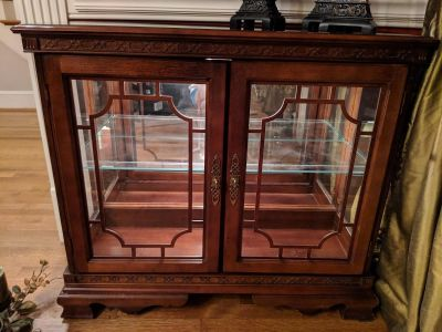 Display Cabinet with Light