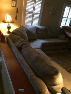 Big sectional Sofa ONLY NOW 200$ firm