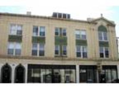 Lawrence & Sawyer Apartments - 3225 W. Lawrence Two BR One BA