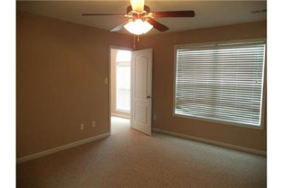 Great Central Location 3 bedroom, 2.50 bath. Will Consider!