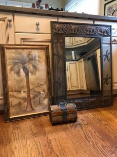 Mirror, picture and chest/box
