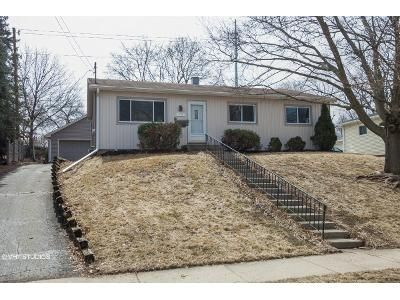 4 Bed 1.5 Bath Foreclosure Property in Waukesha, WI 53188 - Birch Dr
