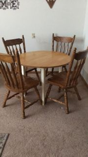 Dining table and 4 oak chairs