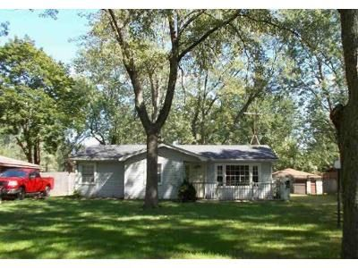 3 Bed 1 Bath Foreclosure Property in Steger, IL 60475 - Ashland Ave