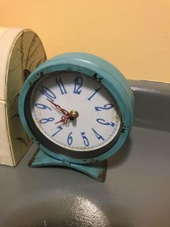 Table clock. About 8 high and 7 across